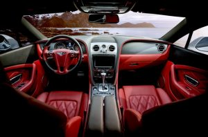Vnútro drahého auta